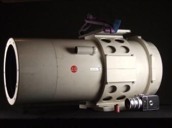 Объектив jonel 100 в сравнении с Hasselblad и роликом 35-мм пленки источник: ebay